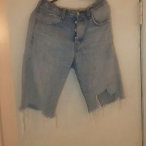 H&M Cutt Off Jeans Button Fly